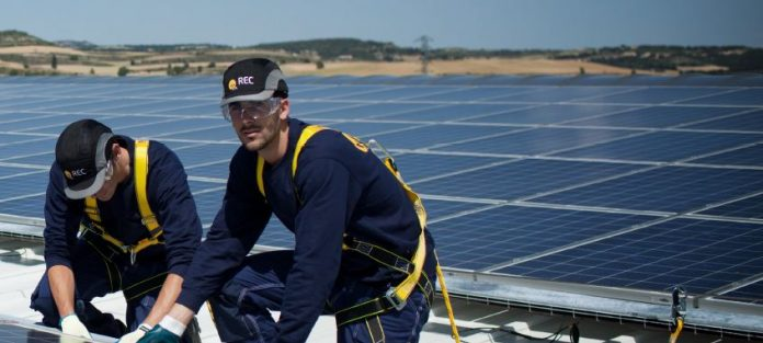 Solar workers in Europe
